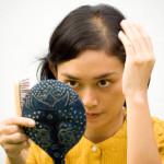 Rụng tóc sau sinh – khi nào tóc mẹ sẽ mọc trở lại?