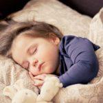 Giúp bé yêu ngủ ngoan, ba mẹ cần lưu ý những gì?