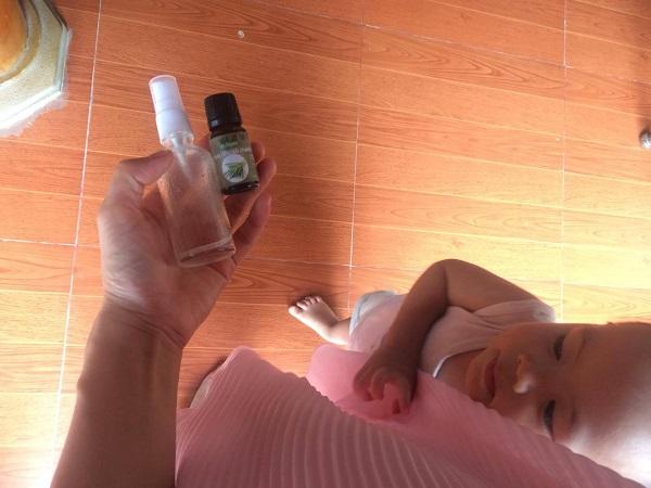Sử dụng tinh dầu sả chanh đuổi muỗi